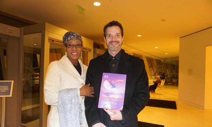 Artists Delight in Uniqueness of Shen Yun