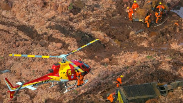 Brazilian helicopters rescue team