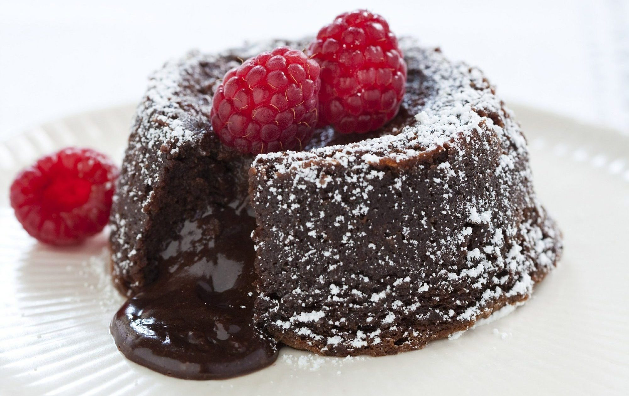 Make an Intense and Buttery Molten Chocolate Cake at Home