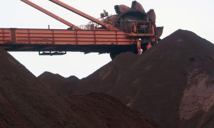 Aussie Iron Ore Miners Hit as Chinese Steel Production Wanes