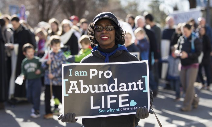 Joyce Wallace, accountant from Gettysburg, MD, at the 45th Annual March for Life rally in Washington on Jan. 19, 2018. (Samira Bouaou/The Epoch Times)