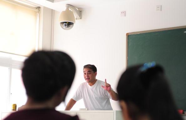 Ilham Tohti lecturing