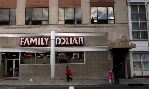 Good Samaritan Shoots Robber Dead at Family Dollar Store: Police