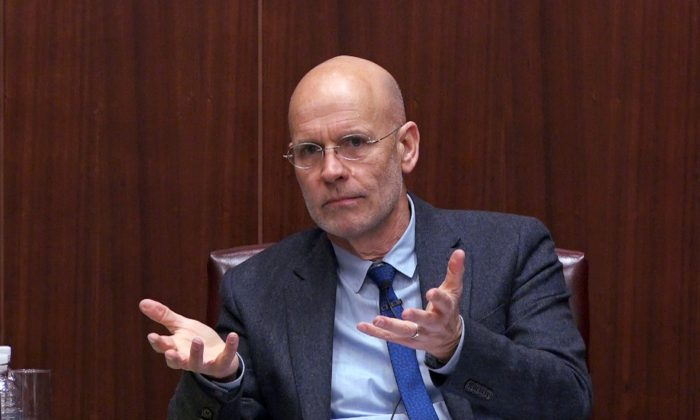 """Clive Hamilton, co-author of """"Hidden Hand,"""" speaks at the Center for Strategic and International Studies in """"A Conversation on Chinese Influence in Australia and Beyond"""" in Washington on Oct. 18, 2018. (Wu Wei/Epoch Times)"""