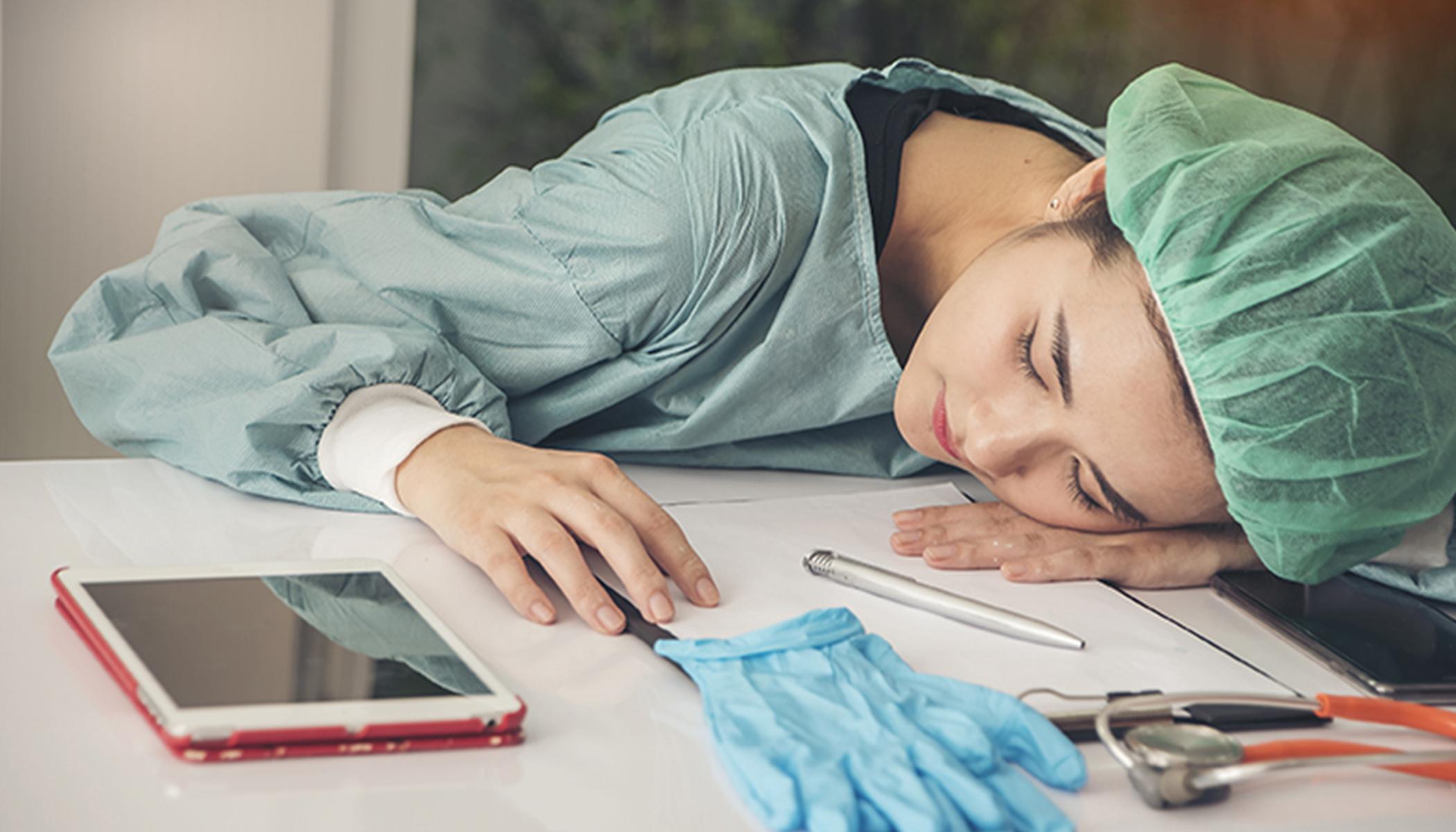 Спящий врач картинка