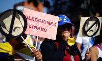 Venezuelan General Urges Military to Disavow Maduro as Opposition Stages Rallies