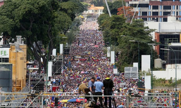 Demonstrators protest against the government of Nicolás Maduro in the streets of Caracas, Venezuela on Feb. 2, 2019. (Edilzon Gamez/Getty Images)