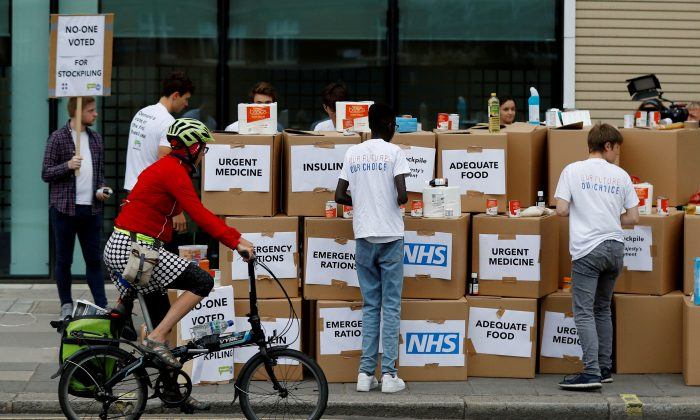 Protesters demonstrate against the possible stockpiling of medicines and food in the event of a no-deal Brexit in London on Aug. 22, 2018. (Reuters/Peter Nicholls/File Photo)
