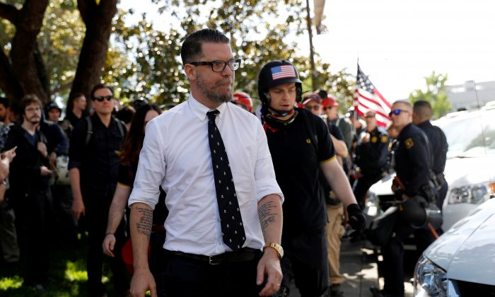 Co-founder of Vice Media Gavin McInnes leaves a group of protesters after giving a speech at the University of California, Berkeley, in Berkeley, California, U.S.,  April 27, 2017. (Stephen Lam/AP)