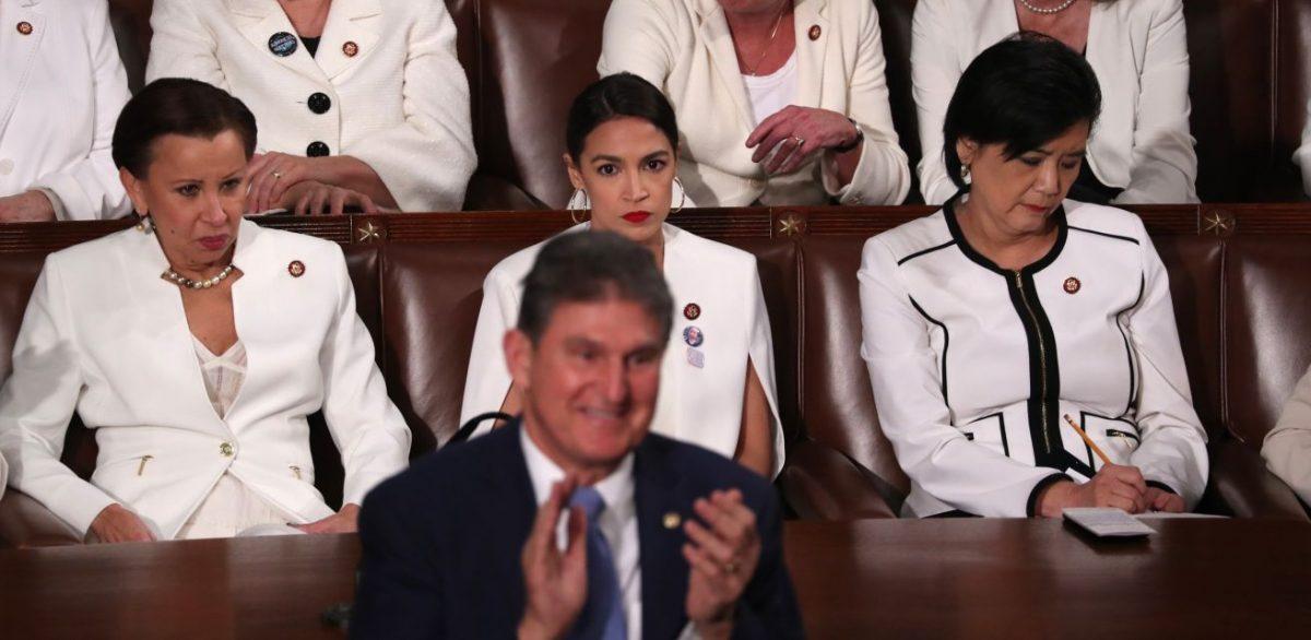 Manchin applauds Trump on abortion