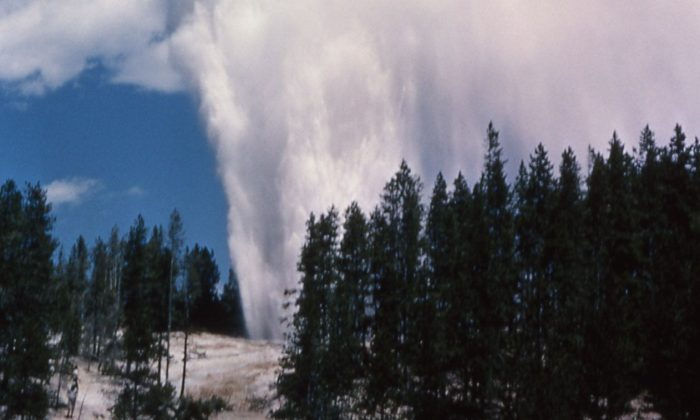 An updated photo shows Yellowstone's Steamboat Geyser (National Park Service)