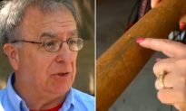 Man Goes 5,000 Garage Sales a Year Spots $1 Baseball Bat: 'Do You Know What This Is?'