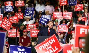 Trump Jabs at Beto O'Rourke for Smaller Rally Size