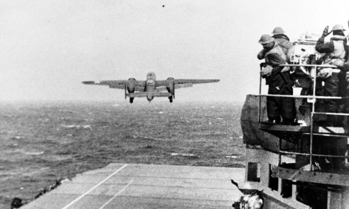 An Army Air Force B-25B bomber takes off from Hornet at the start of the Doollitle raid in April 1942. (Public Domain)
