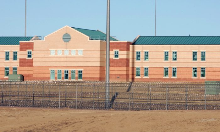 "File photo showing the Federal Correctional Complex, including the Administrative Maximum Penitentiary or ""Supermax"" prison, in Florence, Colorado, on Feb. 21,2007. (Reuters/Rick Wilking)"