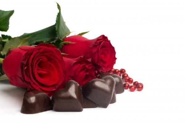Dark chocolate contains phenylethylamine