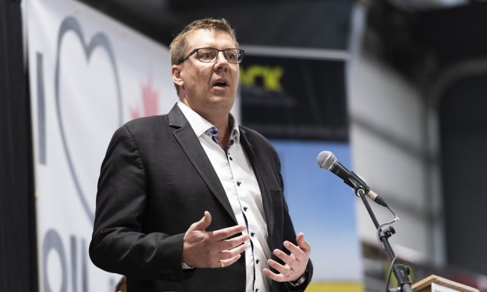 Saskatchewan Premier Scott Moe speaks during a pro-pipeline rally at IJACK Technologies Inc. near Moosomin, Sask., on Feb. 16, 2019. (The Canadian Press/Michael Bell)