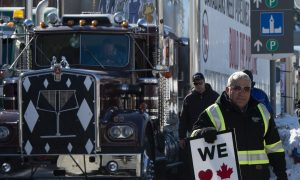 Pro-Pipeline, Anti-Carbon Tax 'United We Roll' Convoy Holds 2 Days of Protests in Ottawa