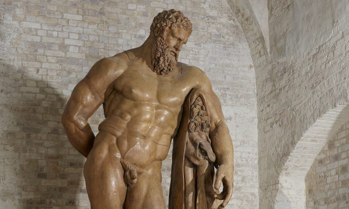 """The colossal 10-foot-5-inch-high """"Farnese Hercules"""" plaster cast at the Royal Academy of Arts in London. (Royal Academy of Arts, London)"""