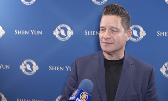 Radio Talk Show Host Says Shen Yun 'Lights Up the Soul'