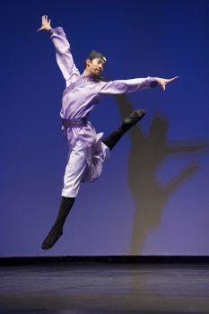 dancer Piotr Huang-in She