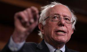Videos Emerge of Bernie Sanders Praising Fidel Castro