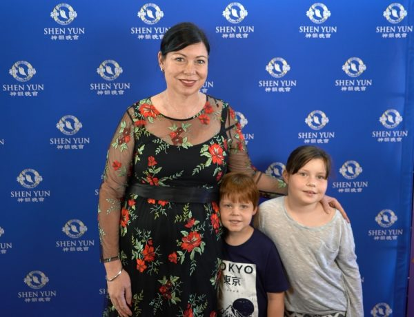Mining investor relations manager Donna Whittaker (L) saw Shen Yun with her children at Perth's Regal Theatre, Western Australia, on Feb. 22, 2019. (Victor Bernal/NTD Television)