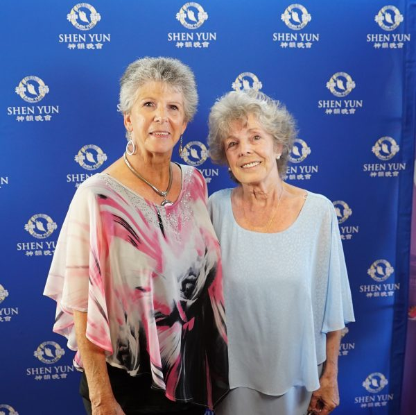 Retired psychotherapist Linda Thomas (R) saw Shen Yun at Perth's Regal Theater in Western Australia, on Feb. 23, 2019. (Victor Bernal/NTD)