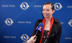 Ballet Instructor Amazed by Shen Yun Dancers' Spirit and Heart