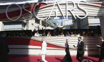 Oscars: Stars and Stand-Ins Rehearse for the Big Show
