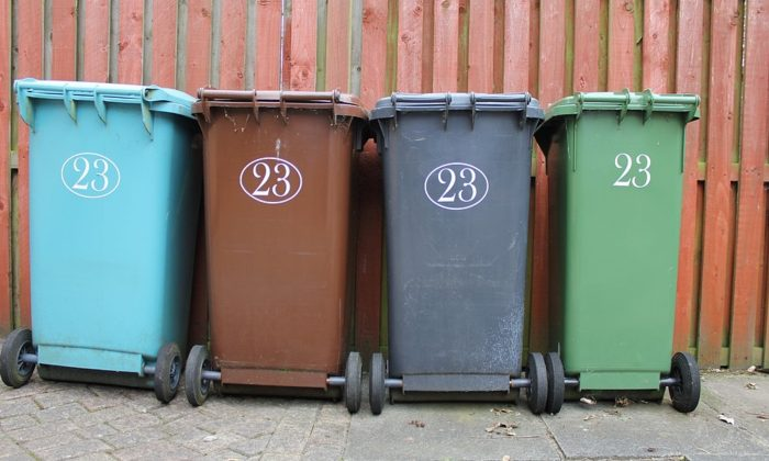 Picture of plastic trash cans, the kinds that's been burnt by youth in United Kingdom for addiction. (Bluebudgie/Pixabay)