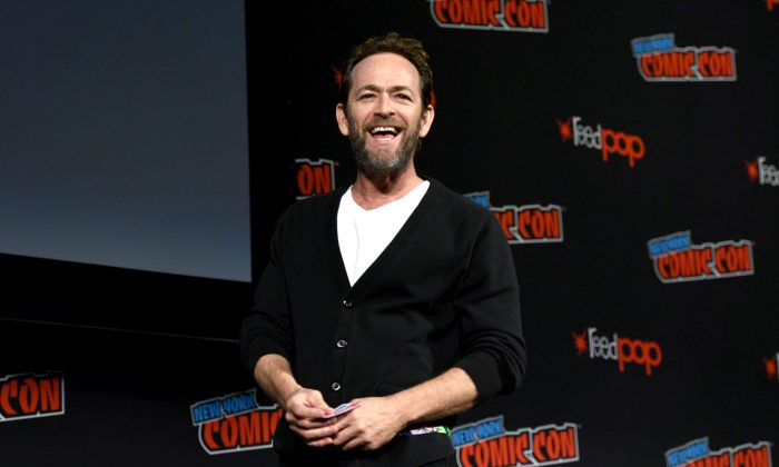 Luke Perry speaks onstage at the Riverdale Sneak Peek and Q&A during New York Comic Con at The Hulu Theater at Madison Square Garden in New York City, on Oct. 7, 2018. (Andrew Toth/Getty Images for New York Comic Con)