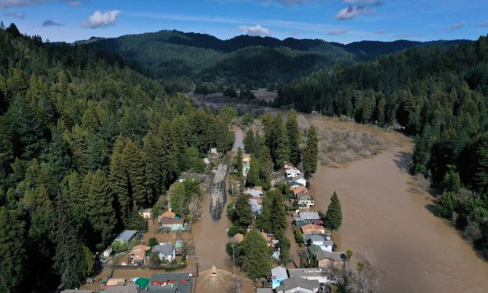 An aerial view of a flooded neighborhood in Guerneville, Calif., on Feb. 28, 2019. The Russian River has crested over flood stage and is now receding after floodwaters inundate the town of Guerneville. (Justin Sullivan/Getty Images)