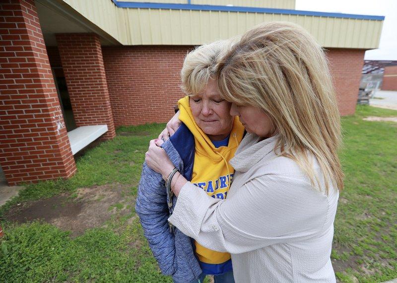 Alabama Tornado Teachers' consoling