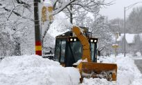 Northeast Digs Out After Storm Closes Schools, Slows Commute