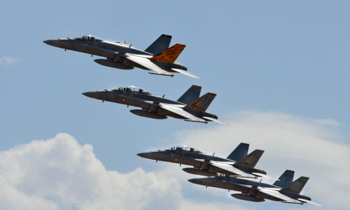 A coordinated drill with five RAAF FA/18-A Hornet aircraft were on display at the Australian International Airshow 2019 at Avalon Airport in Victoria, Australia on March 1, 2019. (Bowen Zhang/Epoch Times)