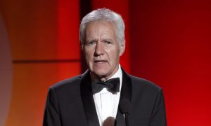 'Jeopardy' Host Alex Trebek Gives Fans Health Update