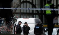 Irish Police Join Probe Into Parcel Bombs at London Transport Hubs