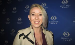 Dancer Finds 'Love and Light' at Shen Yun