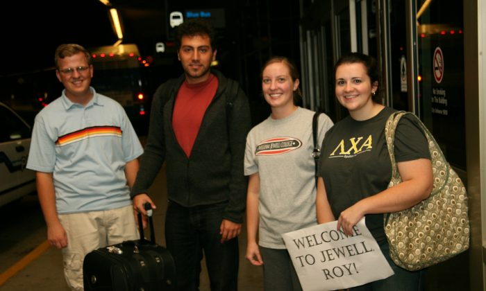 Roy Abdo (2nd L) with the students who picked him up at the Kansas City, Missouri airport in July 2006. (Courtesy of Roy Abdo)