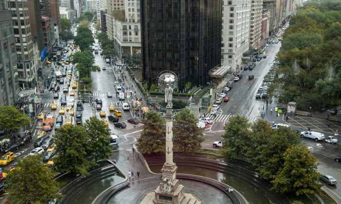 A statue of Christopher Columbus at Columbus Circle in New York City, on Oct. 9, 2017. (Samira Bouaou/The Epoch Times)