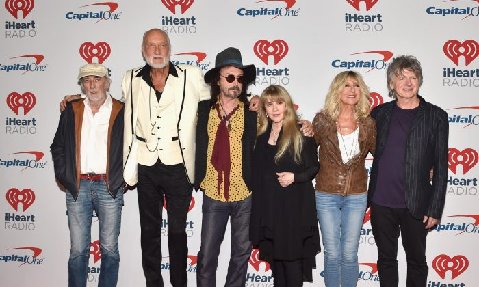 Current lineup: John McVie, Mick Fleetwood, Mike Campbell, Stevie Nicks, Christine McVie, and Neil Finn of Fleetwood Mac pose in the press room during the iHeartRadio Music Festival at T-Mobile Arena in Las Vegas, Nevada, on Sept. 21, 2018. (David Becker/Getty Images for iHeartMedia)