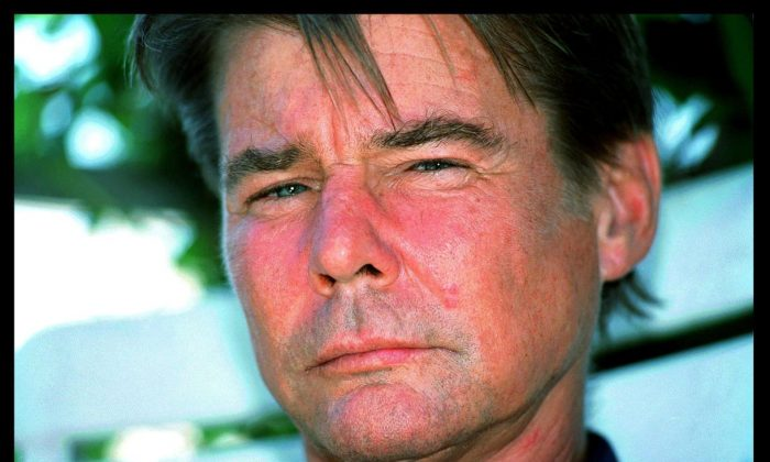 Actor Jan-Michael Vincent at home in Santa Monica in 1999. (Dan Callister Online USA Inc. / Getty Images)