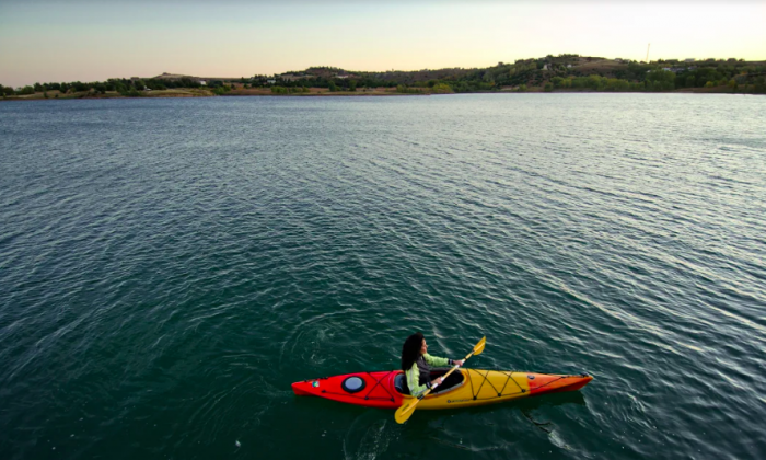 Kayaking on Wilson Lake. (Doug Stremel/Kansas Tourism)
