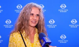 Shen Yun Is 'Glorious and Heavenly' Says Choir Singer