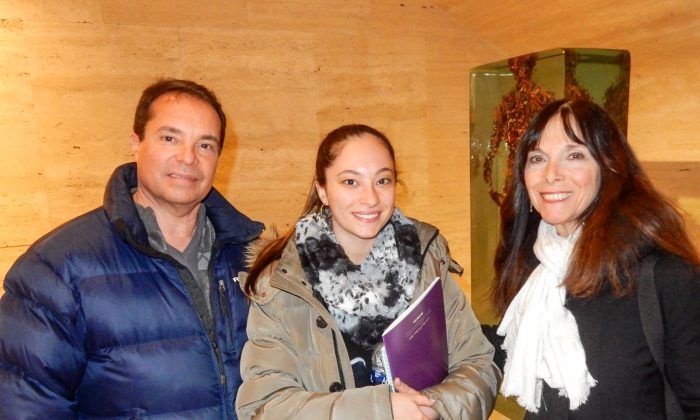 Lightness of Shen Yun Conveys Faith to Choreographer and Family
