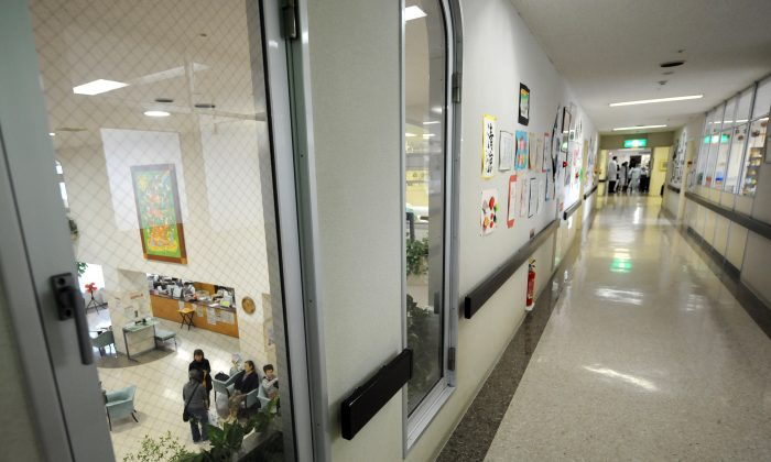 Interior shot of a Chinese hospital. (Toshifumi Kitamura/AFP/Getty Images)