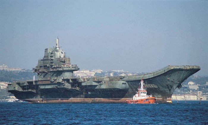 Varyag, the Soviet aircraft carrier purchased by the Chinese regime and relaunched in 2012 as the Type 001 Liaoning, before refitting. (Public Domain)