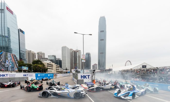 Edoardo Mortara, the eventual winner of the Hong Kong Leg of the ABB Formula E Championship lying in seventh place at Admiralty hairpin, on the opening lap of the race held along Hong Kong central waterfront on Sunday March 10. He went on to finish in second place behind Sam Bird who was downgraded to sixth place, following protest. (Christopher Wong/Sports Action HK)