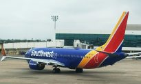 Video: Southwest Flight Attendant Holds Passenger's Baby to Give Her a Break